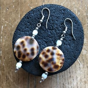 Earrings authentic shell 🦋